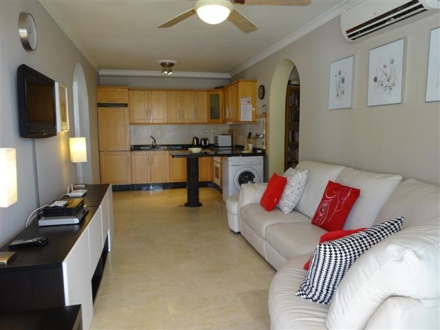 Mirador - 3 Bed Apartment - Beachside - Living Room +  Kitchen view