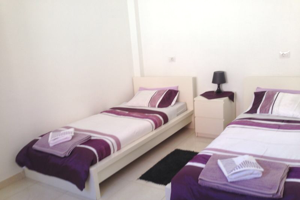 Oasis  - 1 Bed Apartment - Beachside - Bedroom