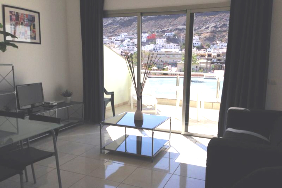 Oasis  - 1 Bed Apartment - Beachside - Living area