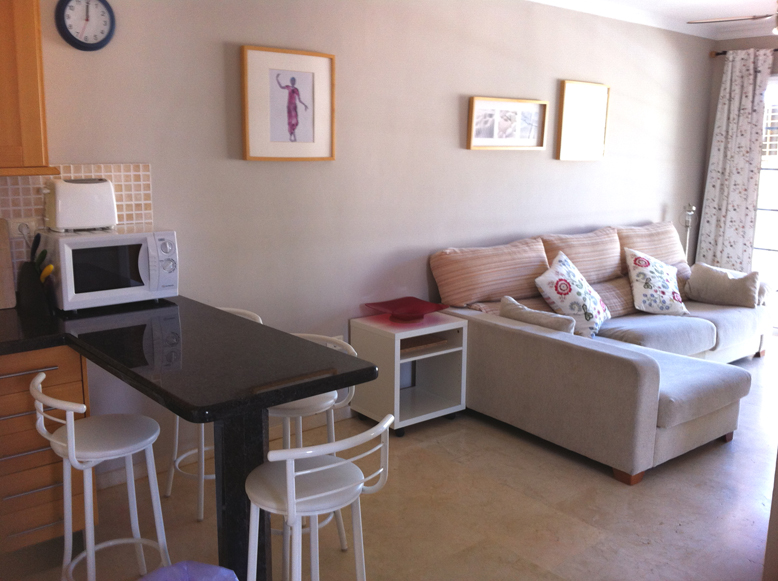 Mirador - 2 Bed Apartment - Heated Swimming Pool - Living area