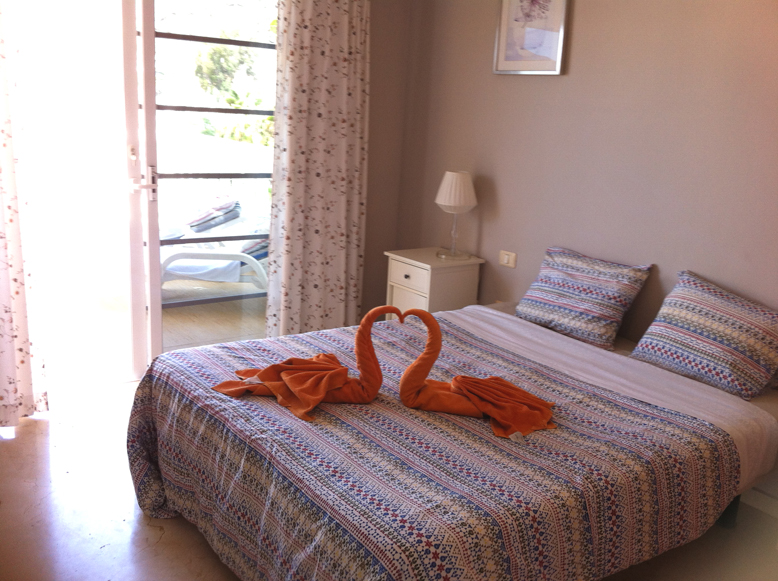 Mirador - 2 Bed Apartment - Heated Swimming Pool - Bedroom