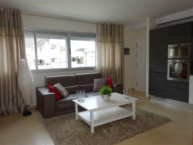 Vista Parq 6 - 1 Bed Apartment - Close to Beach - Living Room