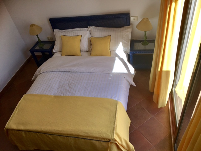 Pescadores  - 3 Bed Penthouse  - Beachside Luxury - Guest Bedroom 1