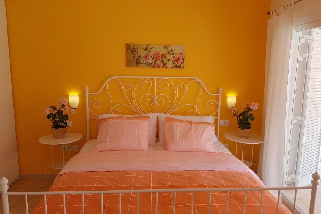Paraiso 1 - 1 Bed Apartment - Calle La Puntilla - Bedroom