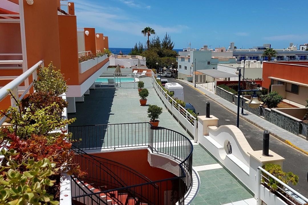 Paraiso 1 - 1 Bed Apartment - Calle La Puntilla - Terrace View to Street