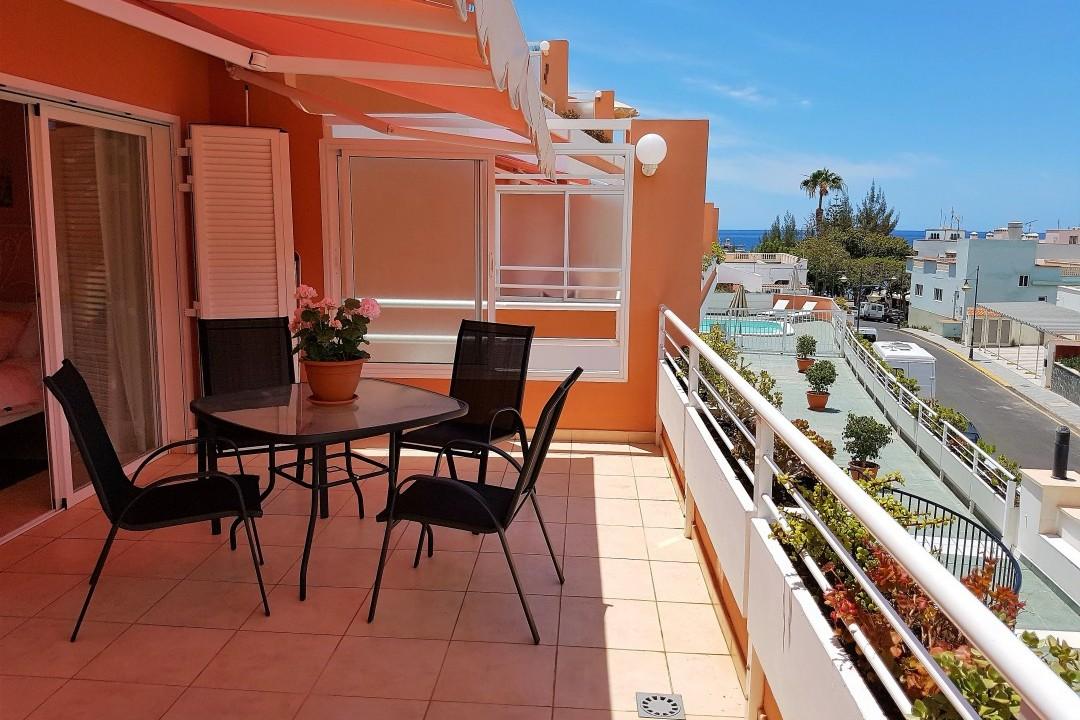 Paraiso 1 - 1 Bed Apartment - Calle La Puntilla - Terrace View to Beach