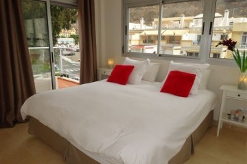Vista Parq 6 - 1 Bed Apartment - Close to Beach - Bedroom, Superking bed